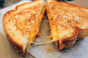 2014131-grilled-cheese